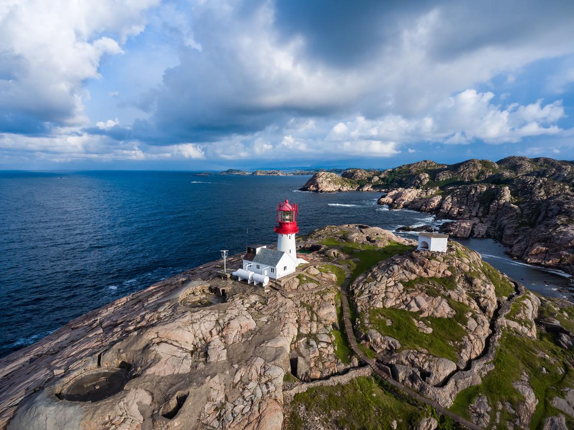 Lindesnes fyr i Norge. Et flott sted for en romantisk helg i Norge.