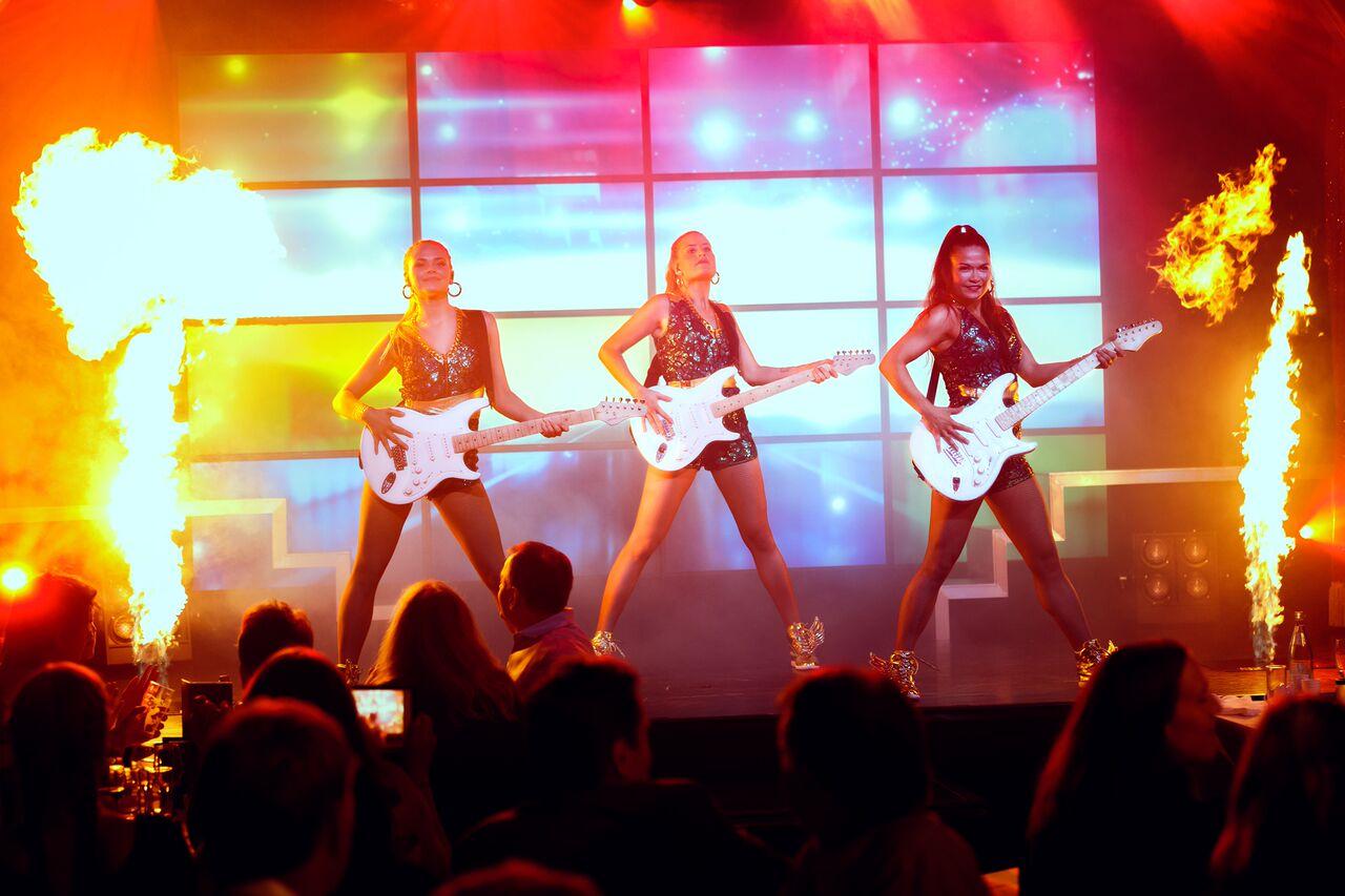 kvinner med gitar
